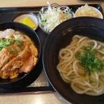 みの屋うどん - 料理写真:カツ丼定食