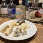 バー ラギュ - 4種のチーズ♡
