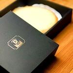 しらはまシェフの店 - 料理写真:チーズケーキ(ホール)