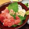 さかな屋すし 魚健 - 料理写真:まぐろ三色丼 780円