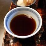 蕎麦処 多賀 - つゆは甘みが控えめ。