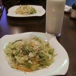 シャンティ サガー - セットのサラダ