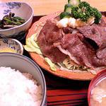 お食事 松月 - 牛焼き肉定食