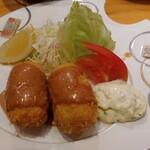 串あげ太郎 - 蟹クリームコロッケ 900円