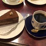 珈琲 豆の樹 - ストレートコーヒーのケーキセット@930円