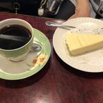 珈琲 豆の樹 - ブレンドコーヒーのケーキセット@900円