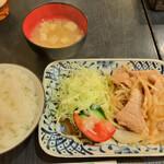 ノッポ - 豚生姜焼き定食(900円)
