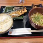 旬の台所 膳や - 料理写真:塩鯖定食+小うどん