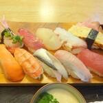 宝寿司 - にぎり寿司10貫ランチ(アップ)