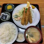 なみき食堂 - 料理写真:海老フライ定食 980円