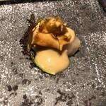 春香楼 - 帆立 豆腐のソース 菊芋チップス