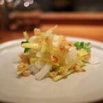 はすのみ - 黄ニラと剣先イカを発酵唐辛子で。