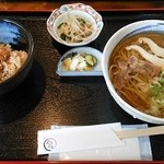 13234228 - 日替わりランチ800円 肉そば(冷)とミニ丼(ホタテとしめじの炊き込み)ほか