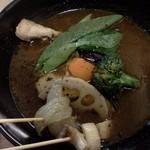 アツアツ - スープカレー、味はブラック、辛さは5