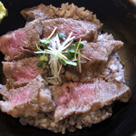 いろり家 - 足柄牛のステーキ丼(ロース)