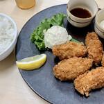Kakigodan - 牡蠣フライ定食790円