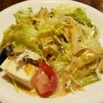 マンジャーレ - ランチセットのサラダ。ゴマどれ