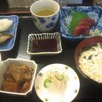 丸 - お昼の焼魚定食