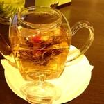132367893 - 工芸茶 オリエンタルジュエリー