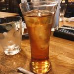 バチェラー - セットの飲み物(アイスティー)