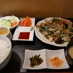 中華料理 北京 - 料理写真:野菜炒め定食+お刺身(サービス☆)