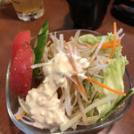 魚しん - サラダ。
