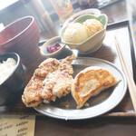 サッポロ 餃子製造所 - 餃子ザンギ定食