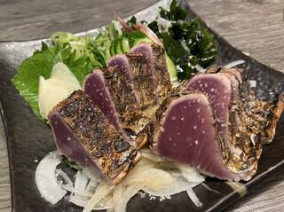 炭火焼 みや澤 京橋本店 - 鰹のわら焼きタタキ(塩)
