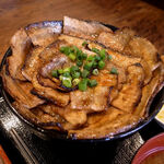 三◯食堂 - しょうゆダレ豚丼