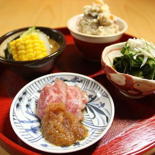 糸島野菜を筆頭に、選び抜いた納得の素材をていねいに調理します