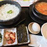 食彩厨房 すみれ亭 - 料理写真:黒毛和牛のスンドゥブ定食