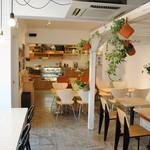 light side cafe - 緑いっぱいの空間で美味しい食事を!