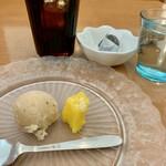 ケララキッチン - デザートとアイスコーヒー