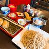 山久 - 料理写真:一色セット。蕎麦、辛味大根、がんもどき、生姜の天ぷら、アボガドマヨネーズ和えサラダ、稲荷と甘味。