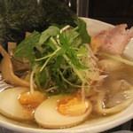 13241364 - 特製塩ラーメン(チャーシュー・味玉・メンマ・ワンタン・油揚げ・水菜)