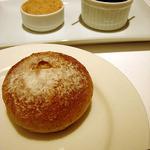 ラ・マティエール - リエットとオリーブ、そしてホカホカのパン