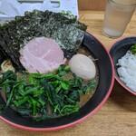 麺家 紫極 - 料理写真:のり・ほうれん草ラーメン+味玉+半ライス