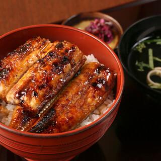 九州料理はもちろん、うなぎ料理も今期のイチオシメニュー!