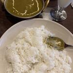 バッティ - 日替わり(ほうれん草と豆のカレー)