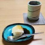 松籟庵 - 豆腐アイス(生八つ橋と黒蜜)