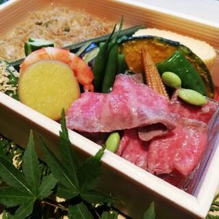 京都肉ローストビーフが入った季節のお弁当(ランチ・ディナー)