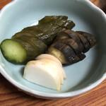 伊勢元酒場 - 自家製ぬか漬おしんこ(なす・きゅうり)