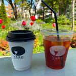 ヤードコーヒー&クラフトチョコレート - テラス席でお庭のチューリップを愛でながら。