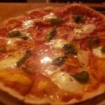 ピザ&ワインバル CONA -