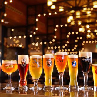 世界各国のクラフトビールが飲めます!