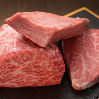 東京の市場から買い付けた上質なメスの和牛をご提供いたします。