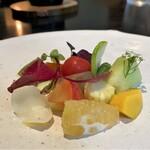 132480585 - 畑の野菜たち お野菜に果物たちが彩り豊かな一皿目♪