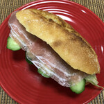 ブヴロンのパン小屋 - フランスパン  サンドイッチにしました