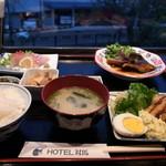 欅 - ホテルの夕食