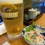 玄海鮨 - ドリンク写真:お通しと生ビール